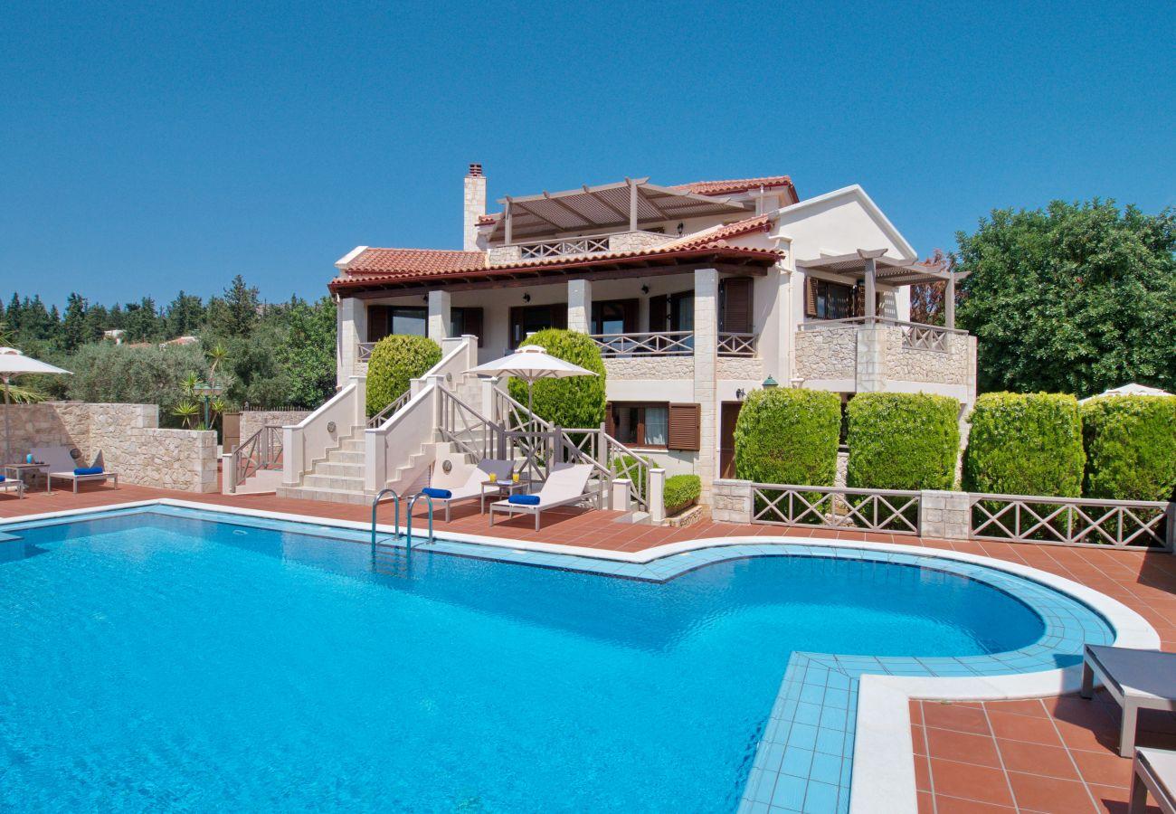Villa Metapothia Crete
