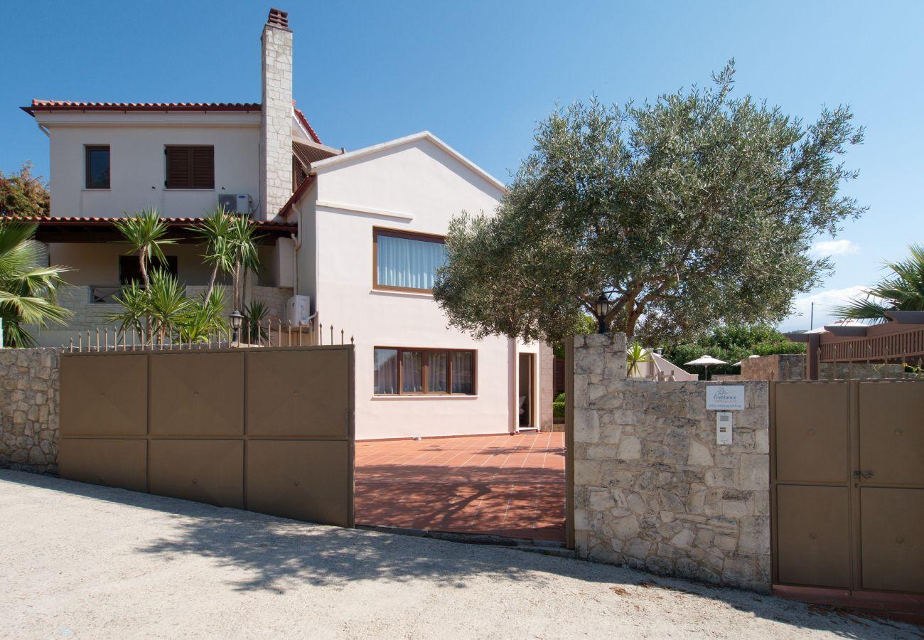Villa in Gavalohori - Villa Metapothia