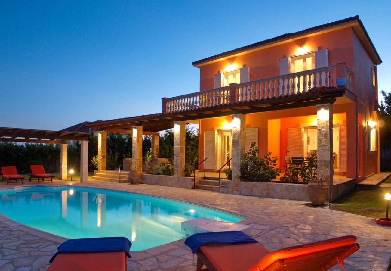 Villa in Spartia - Villa Dionysos