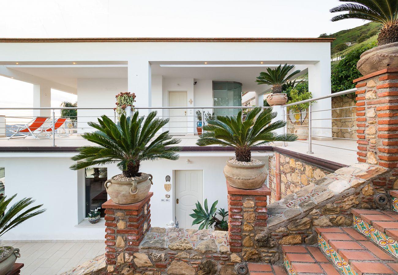 Villa in Letojanni - Villa Luce
